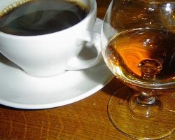 Как пить кофе с коньяком? Польза и вред напитка