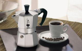 Как варить кофе в гейзерной кофеварке на плите?