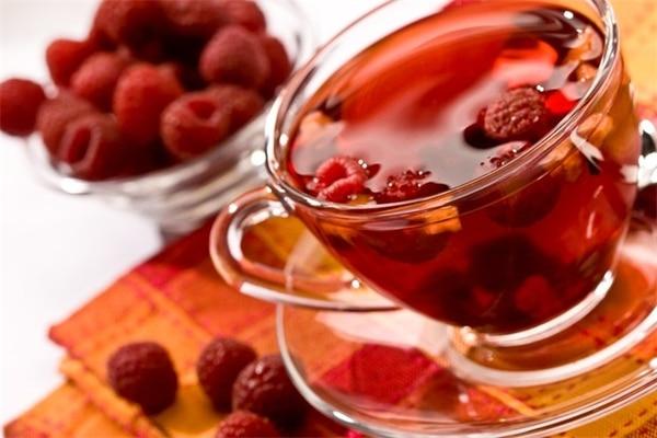 Малина при беременности на ранних и поздних сроках: можно ли чай с малиной и листьями при простуде.