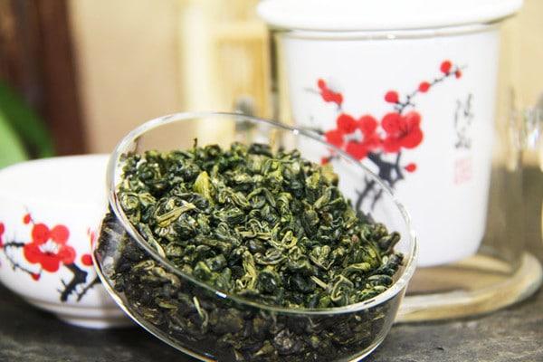 Можно ли пить чай зеленый натощак