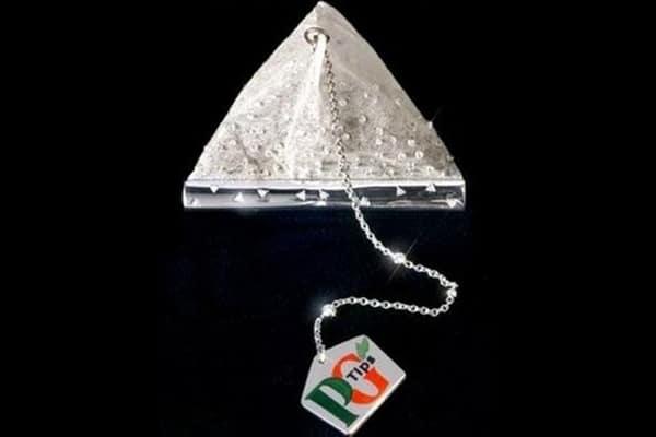 На втором месте чайный пакет с бриллиантами