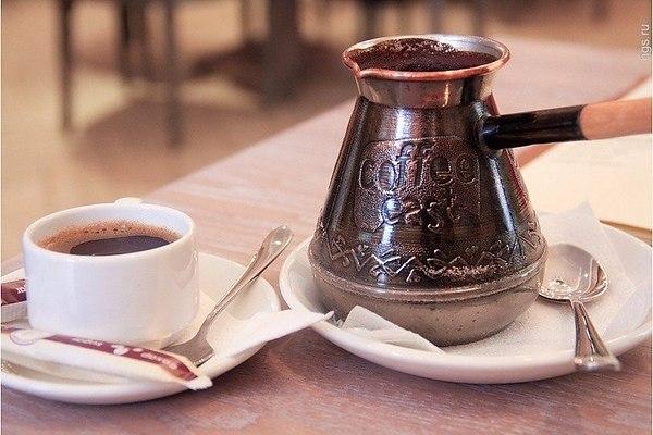 приготовить кофе в турке на газовой плите